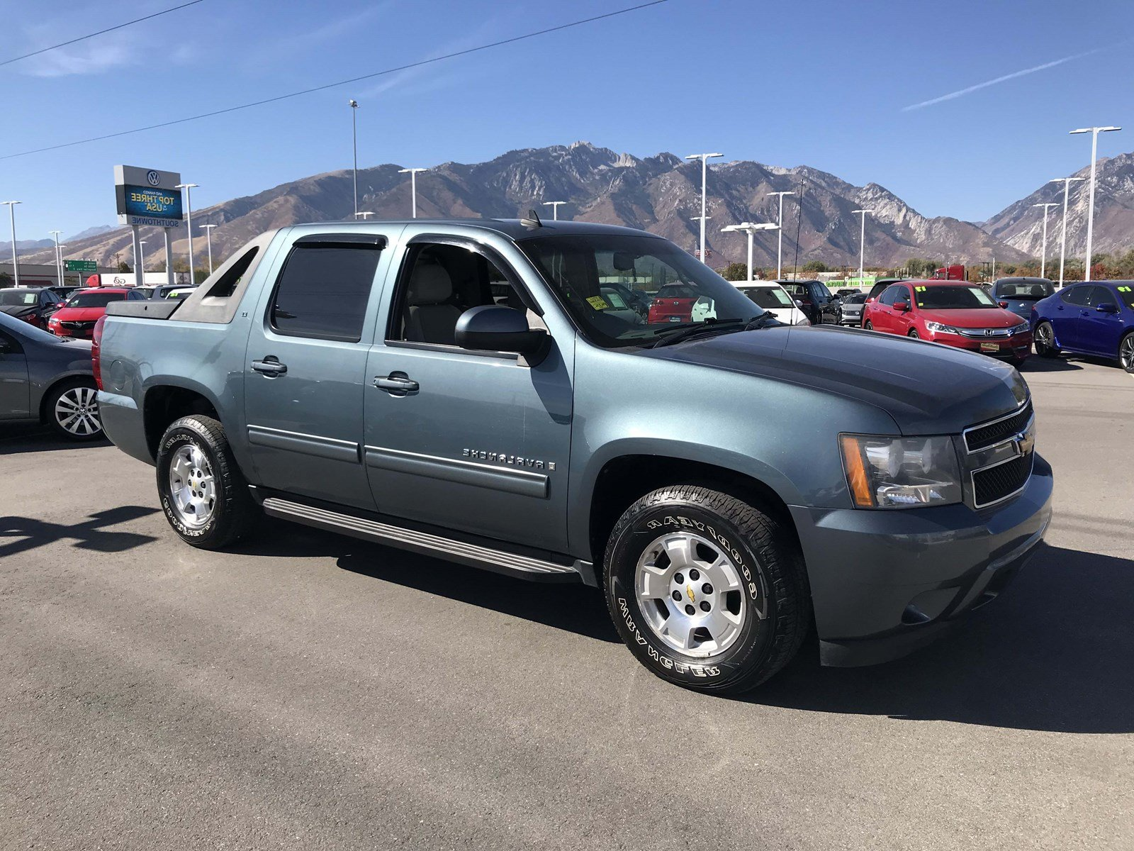 Pre-Owned 2009 Chevrolet Avalanche LT w/1LT