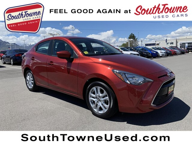 Pre-Owned 2017 Toyota Yaris iA BASE