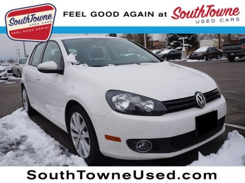Pre-Owned 2014 Volkswagen Golf 2.0L TDI
